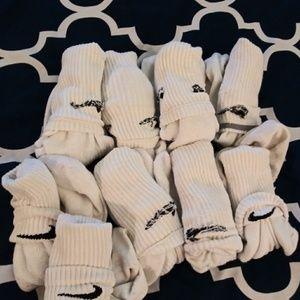 Lot of 10 Nike tube socks.